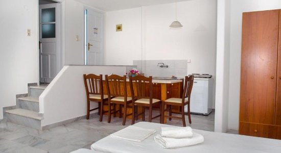 Piso Livadi, Grecia: Room Jpg