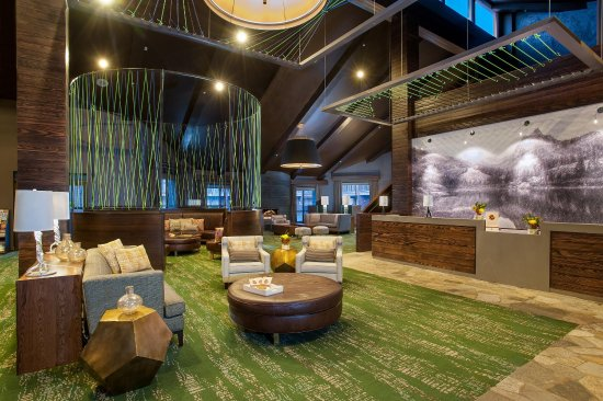DoubleTree by Hilton Hotel Park City - The Yarrow: Hotel Lobby