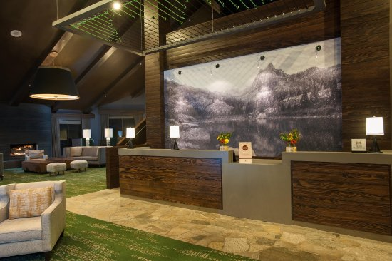 DoubleTree by Hilton Hotel Park City - The Yarrow: Front Desk