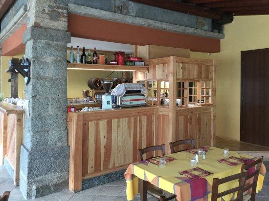 Sulzano, Włochy: Una Faema anni '60 originale per un caffè delizioso...
