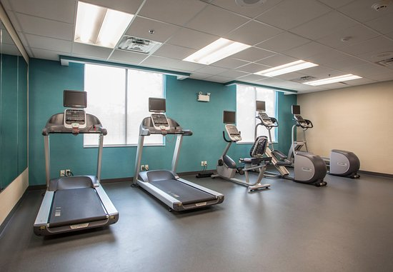 Waterloo, IA: Fitness Center - Cardio Equipment