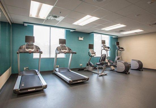 Waterloo, IA : Fitness Center - Cardio Equipment