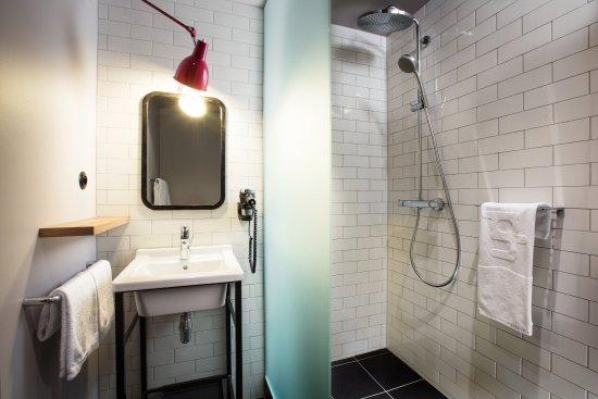 Diegem, Bélgica: Bathroom