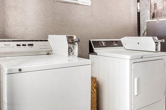 Cayce, SC: Laundry Facilities