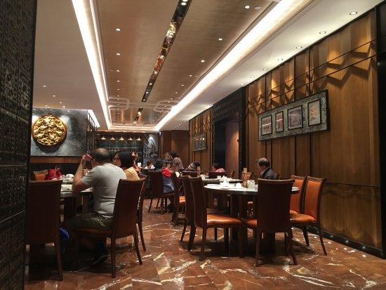 Photo of Chinese Restaurant Yung Kee Restaurant at 中環威靈頓街32-40號, Hong Kong, Hong Kong