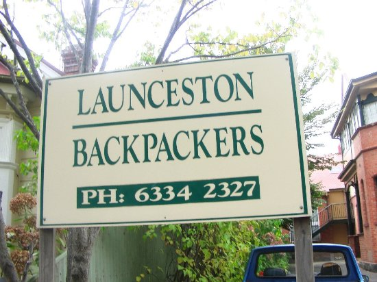 Launceston Backpackers: the sign of the hotel
