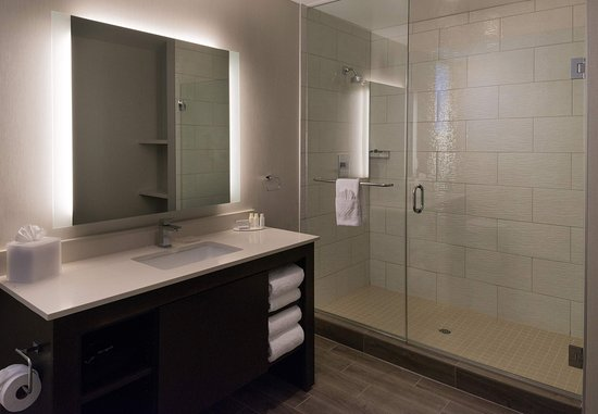 Menlo Park, Kaliforniya: Suite Bathroom
