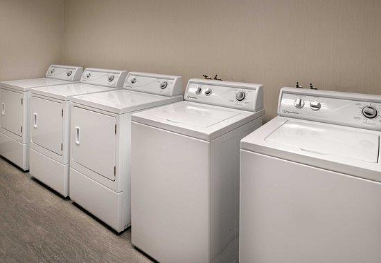 Menlo Park, CA: Guest Laundry