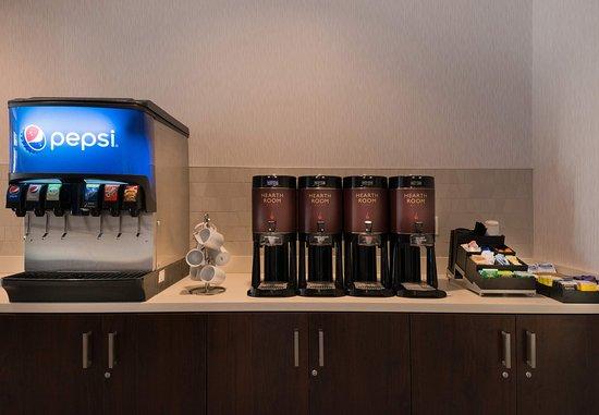 Menlo Park, CA: Breakfast Buffet - Drink Station