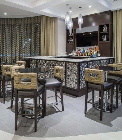 Chelsea, MA: Lobby Bar