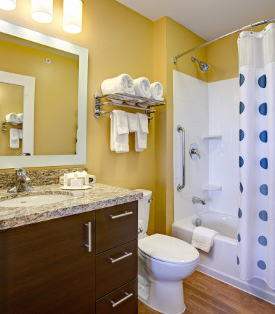 Wareham, MA: Suite Bathroom