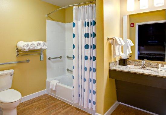 Wareham, MA: Accessible Suite Bathroom