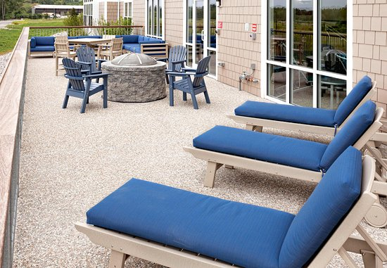 Wareham, MA: Outdoor Pool Patio