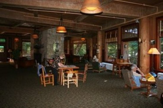 Oregon Caves Lodge: Lobby