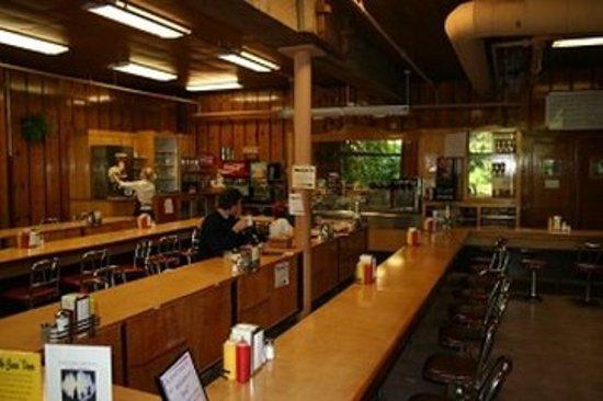 Oregon Caves Lodge: Dining