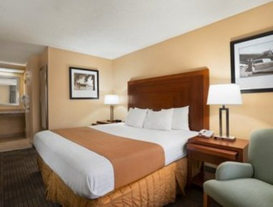 Days Inn Jacksonville Airport: Accessible Guest Room