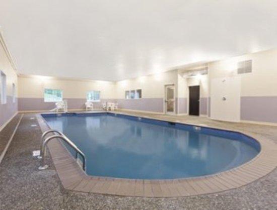 Windham, ME: Pool