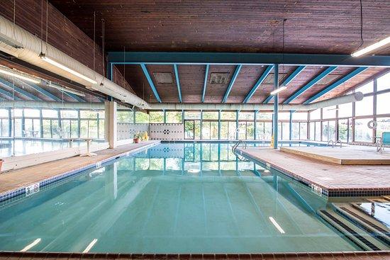 Tilton, NH: Pool