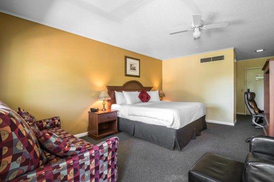 Tilton, NH: Guest room