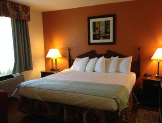 Harrodsburg, KY: 1 Bed Room Suite