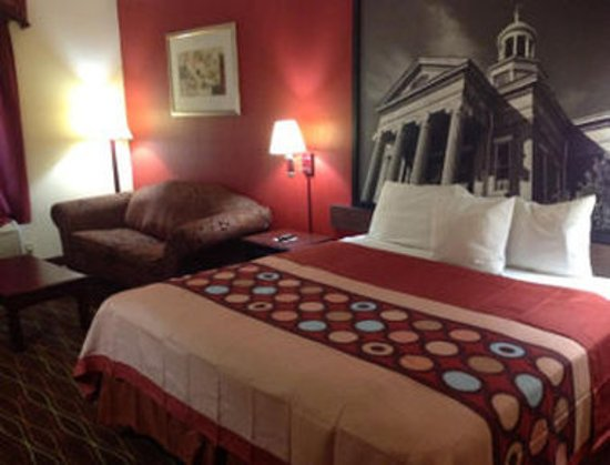 Canton, MS: Guest Room