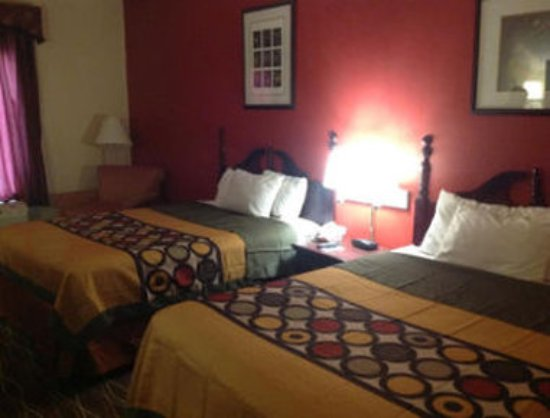 Canton, MS: Two Bed Guest Room
