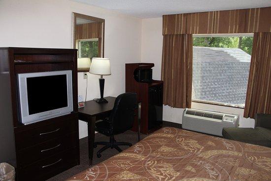 سليب إن آند سويتس: One King Bed Guest Room
