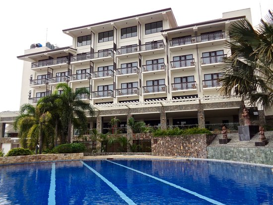 Sibulan, Philippines : Hotel Bravo has a large pool.