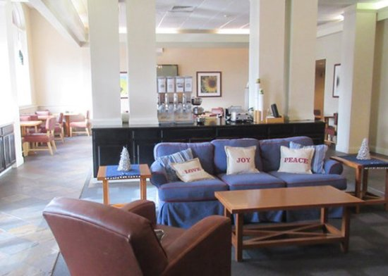 Red Lion Inn & Suites- Chambersburg: Lobby