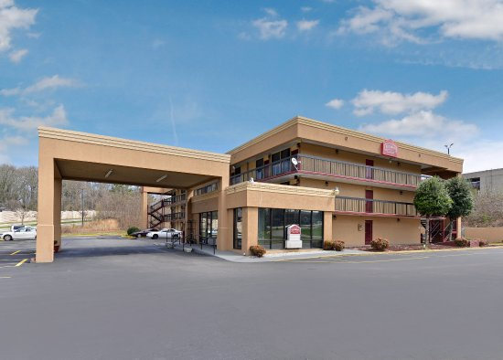 Country Hearth Inn & Suites Gainesville: Exterior