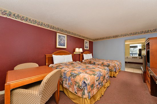 Gainesville, Джорджия: Two Queen Bed Deluxe Guest Room