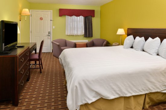 Princeton, KY: One King Bed Guest Room