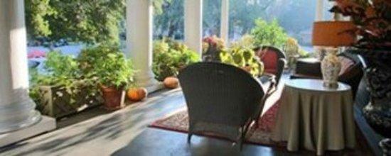 ذا جالواي هاوس: Porch