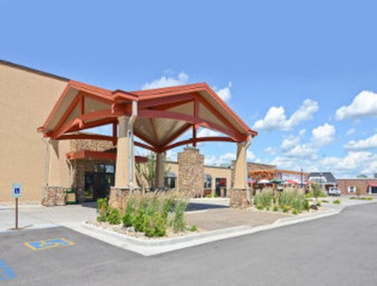 Baymont Inn & Suites Fargo: Welcome to the Baymont Inn and Suites Fargo