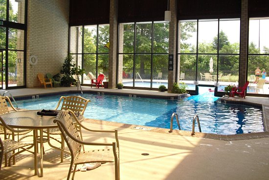 Cranberry Township, PA: Indoor Outdoor Pool