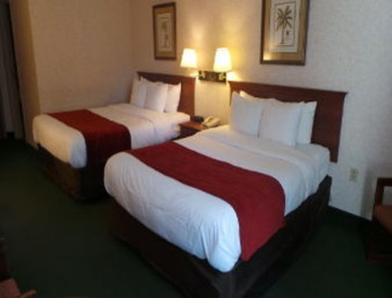 Bartonsville, PA: Standard Two Queen Beds Room