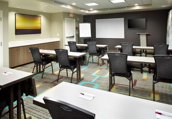 Shamrock Meeting Room