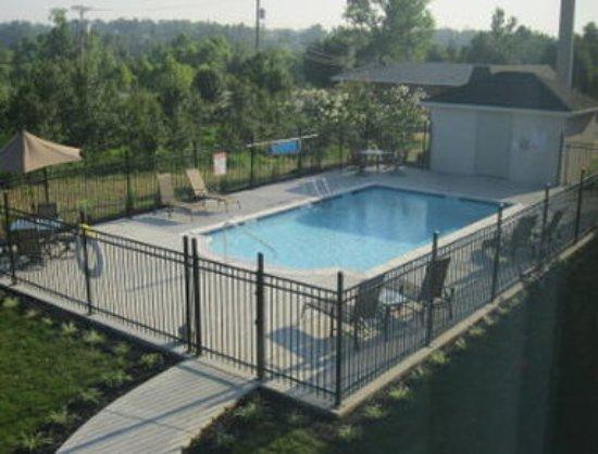 Madisonville, KY: Pool