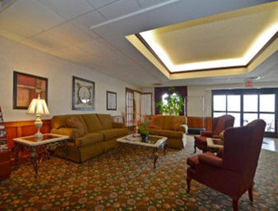 Madisonville, KY: Lobby
