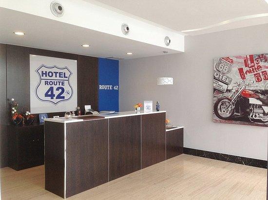 Hotel route 42 illescas espagne voir les tarifs et - El horno de yeles ...