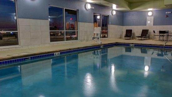 สเปนเซอร์, ไอโอวา: Swimming Pool - Holiday Inn Express Spencer IA