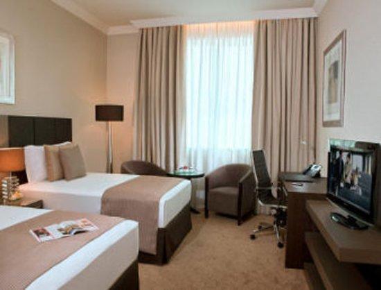 Ramada Abu Dhabi Downtown: Guest Room