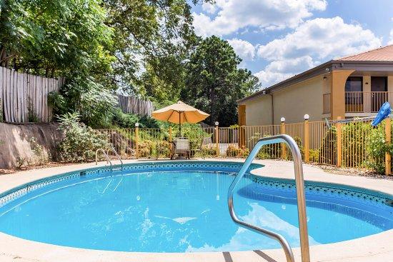 Griffin, GA: Pool
