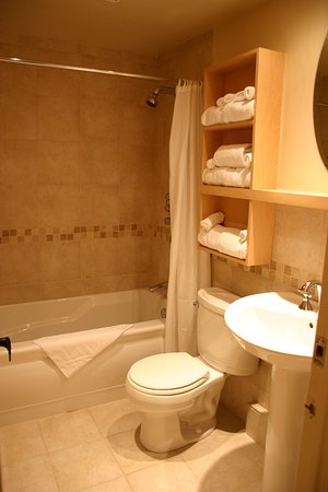 Бопр, Канада: Guest Bathroom