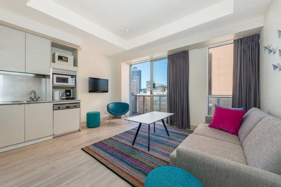 Preston, Australia: 2 Bedroom Balcony