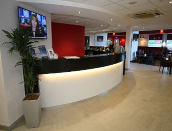 Ossett, UK: Reception