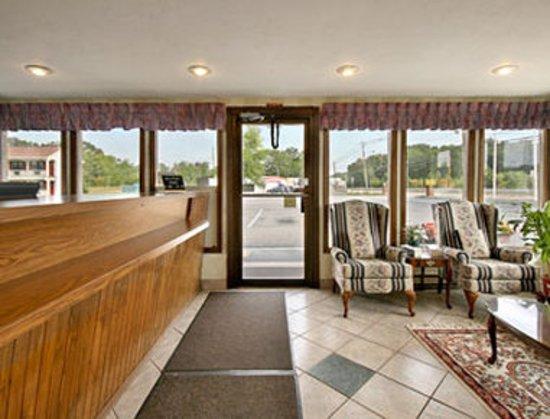 North Attleboro, MA: Lobby