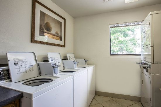 Suburban Extended Stay Hotel: SCLaundry