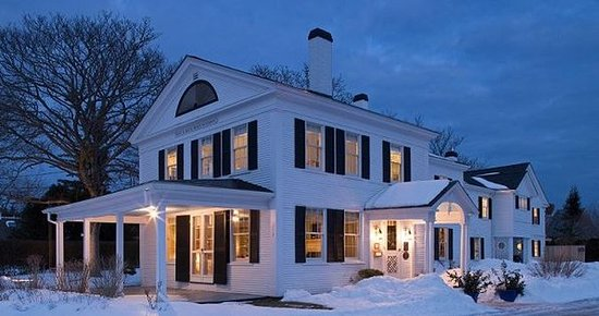 Chatham Gables Inn: Home Slider Exterior