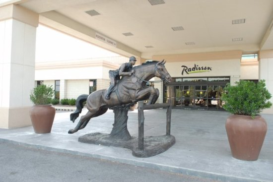 Timonium, MD: Hotel Entrance